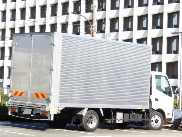 普通自動車免許で4トントラックは運転できるけれどサムネイル